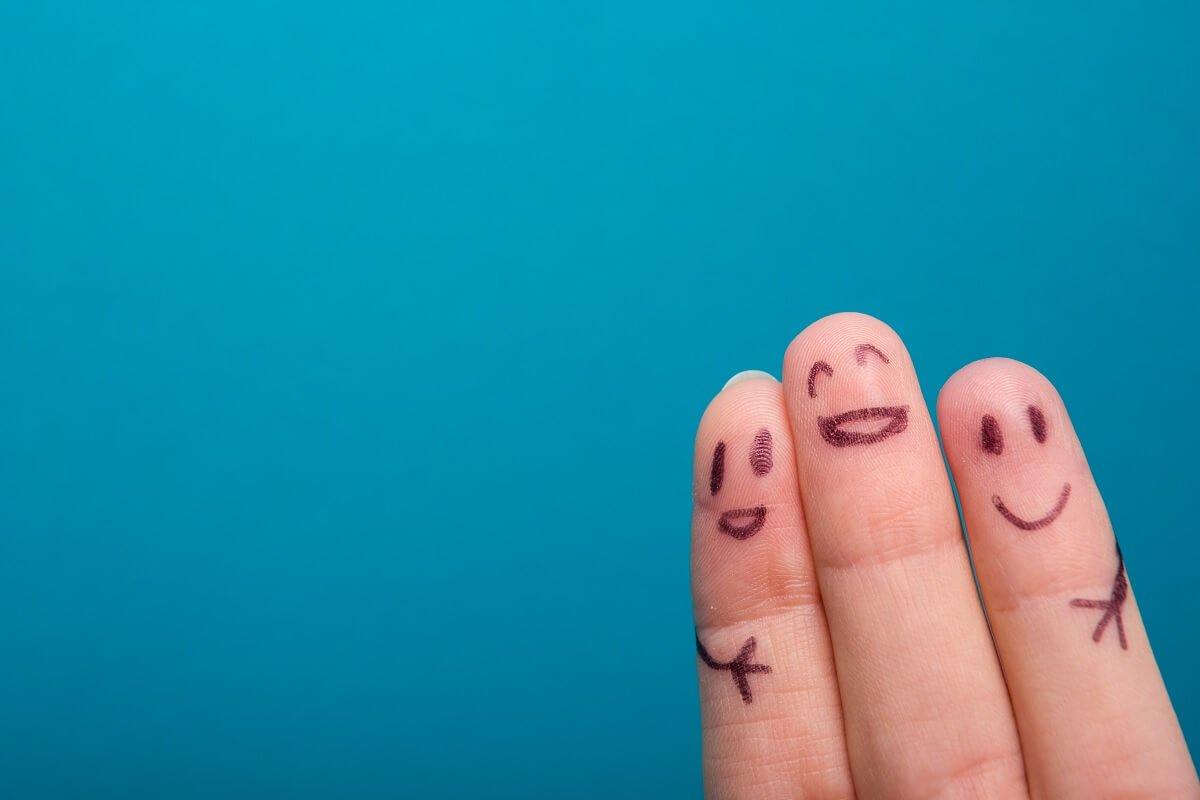 Family on 3 fingers